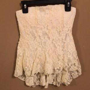 Strapless laces shirt